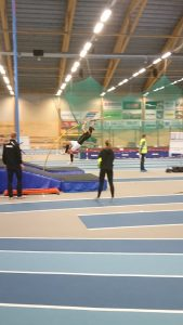 Jonathan Åkesson P19 satte personligt rekord i stav med 3,50m.
